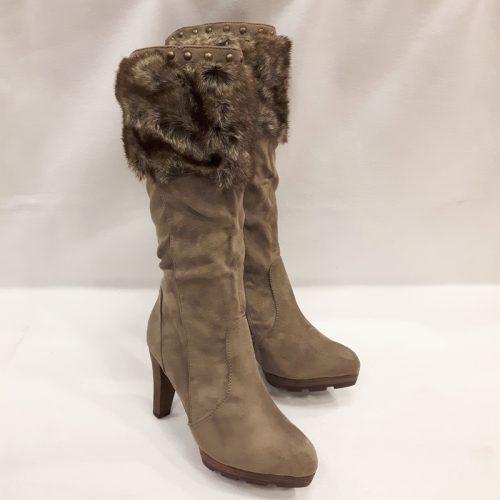 Warme bontlaarzen met hakken | Taupe laarzen met hakken | Silhouette Warme bontlaarzen met hakken | Taupe laarzen met hakken | Silhouette