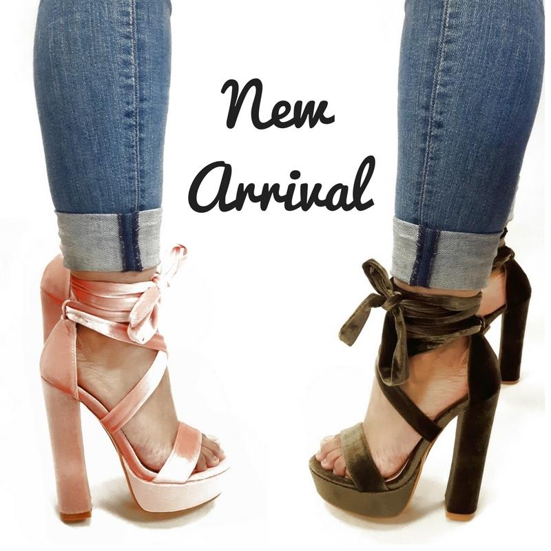 Leukste hoge hakken | Groene of roze sandalet met hoge brede hakken en banden