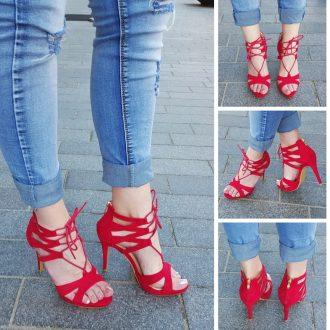 Rood Lace up sandaaltje met veters en open teen en naaldhak