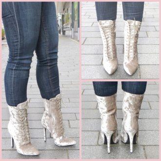 Korte laarzen in ivoor roomwit offwhite met naaldhak en veters voor