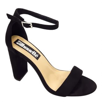 Strappy sandal in zwart met brede hakken en enkelbandje