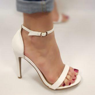 Strappy sandaaltje in wit print met naaldhakken