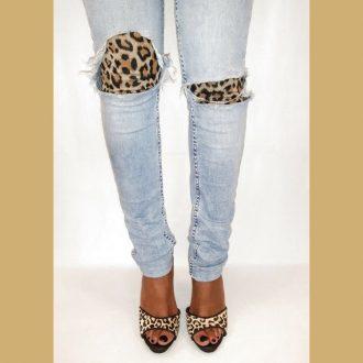 Luipaardprint muiltje met één band over de voet en hoge naaldhakken