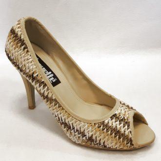 Beige schoenen met open teen en naaldhak   Silhouette   Hoge hakken