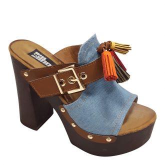 Spijkerstof of denim slippers met brede hakken en plateau