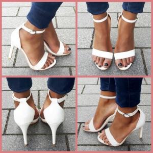 Kleine maat witte open schoenen met naaldhak en bandjes