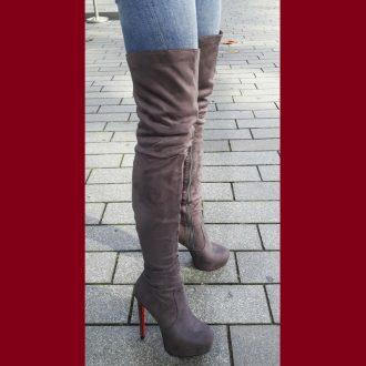 Grijze overknee laarzen met rode zool en naaldhakken   SILHOUETTE