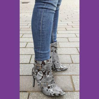 Grijze snake print biker boots met veters en gespen | Snake print heels
