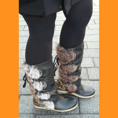 Platte zwarte winterlaarzen | Platte bontlaarzen | Minnetonka LAL laarzen