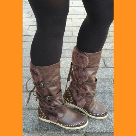 Platte bruine winterlaarzen | Platte bontlaarzen | Minnetonka lookalike laars
