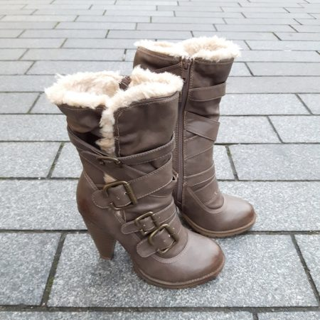 Bontlaarzen met stevige hoge hakken en ronde neus | Silhouette