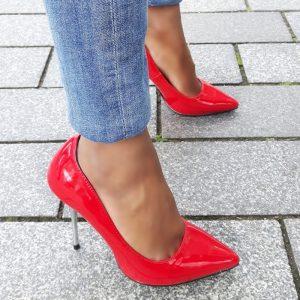 Rode pump met metalen stiletto hak | Pumps met pinhakken | Pinhakken rood