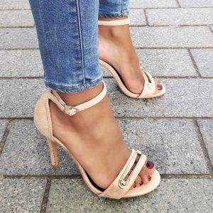 Beige sandaaltjes met stiletto hak en gat in de voorband | Silhouette