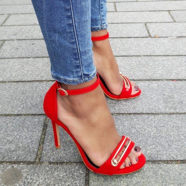 Rode sandaaltjes met stiletto hak en gat in de voorband | Silhouette