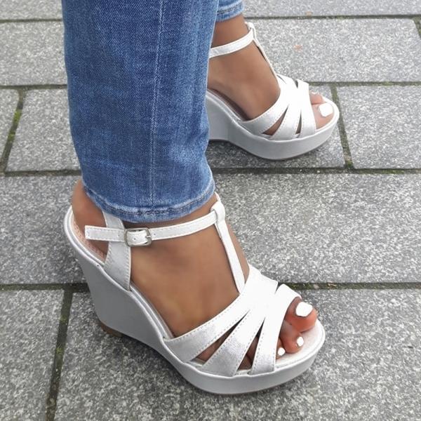Wit zilveren sleehakken met bandjes en metallic glans | SILHOUETTE