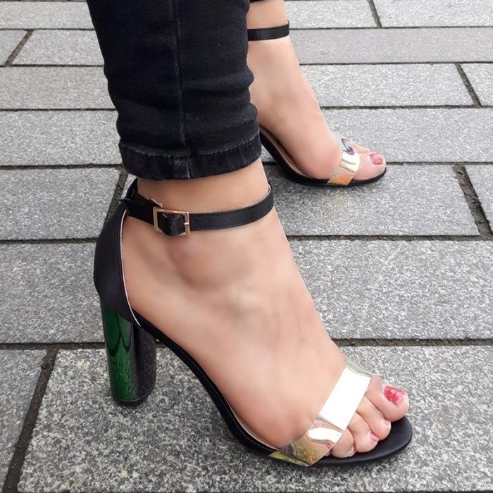 Zwarte open blokhakken met doorzichtig bandje over de tenen   Silhouette