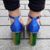 Kobalt blauwe open blokhakken met doorzichtig bandje over de tenen