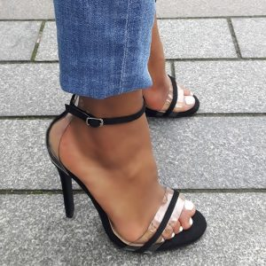 Zwarte sandalettes met naaldhakken en perspex details | Perspex heels