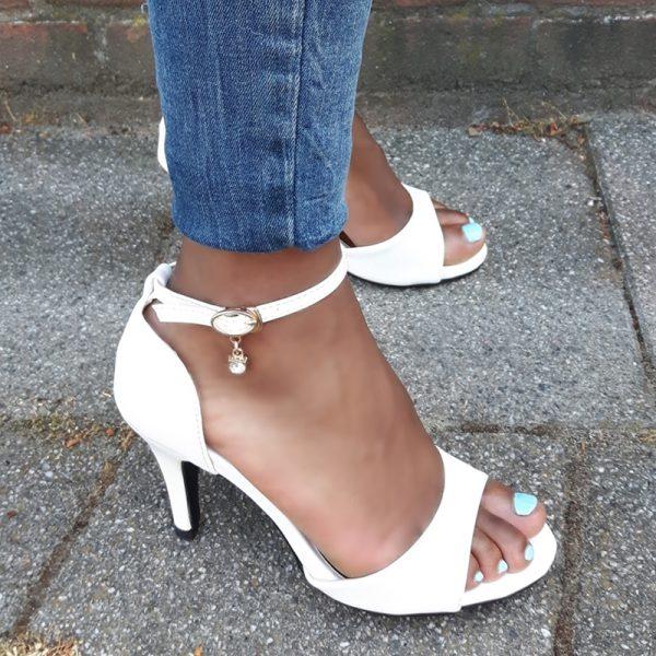 Witte hakken 7 cm in kleine maten | Witte sandalen met hak maat 35 en kleiner