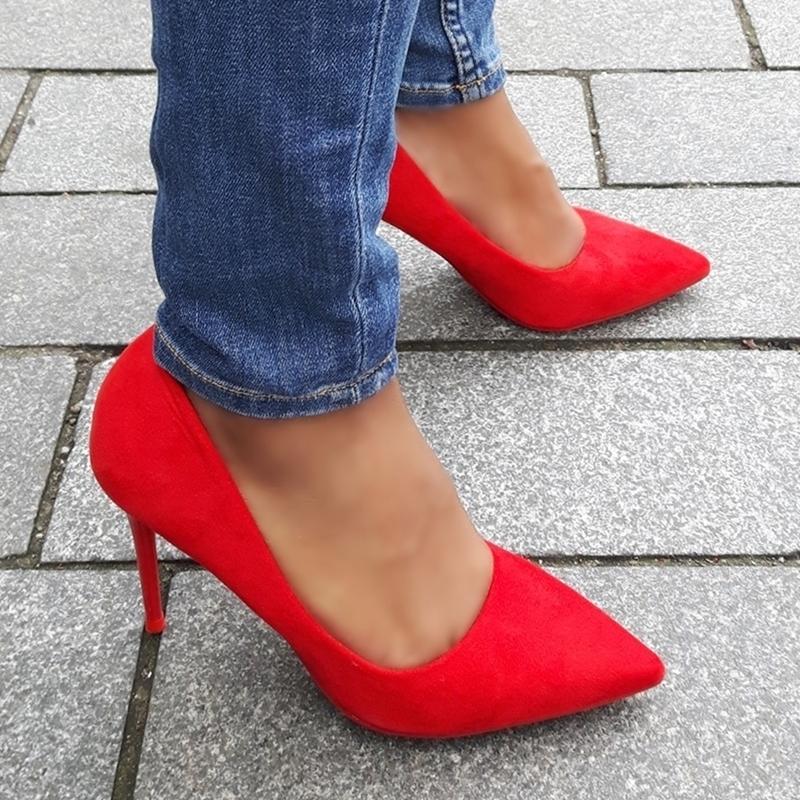 spitse rode pumps met rode zool en naaldhakken | goedkope rode pumps