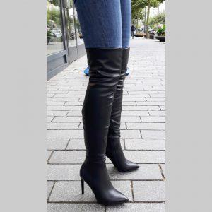 Overknee laarzen voor dunne benen met spitse neus en naaldhakken