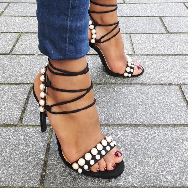Lace up sandaaltjes met parels en naaldhakken   Parel Sandalen