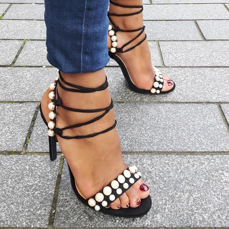 Lace up sandaaltjes met parels en naaldhakken | Parel Sandalen