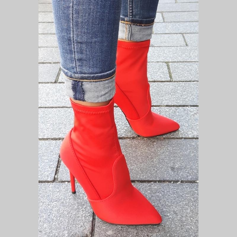 Rode korte laarsjes met naaldhakken | Rode enkellaarsjes met hak kopen