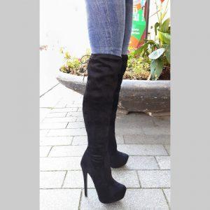 Zwarte korte overkneelaarzen zonder rits met naaldhakken | Soklaarzen