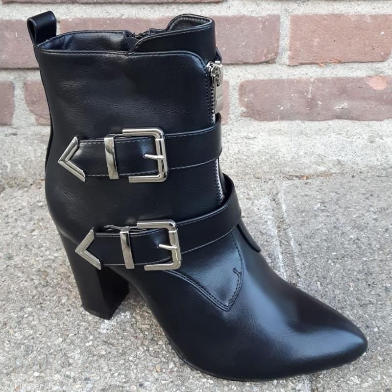 Zwarte korte laarzen met hak en gespen | Bikerboots met hak | Silhouette