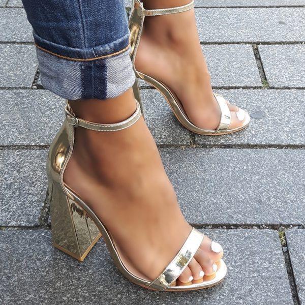 Gouden sandalen met blokhakken en bandje over de voet | Silhouette