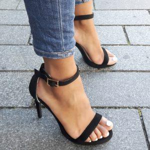 Zwarte sandalettes met hoge hak en smalle bandjes | Sandalen met hak