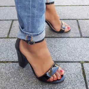 Zwarte sandalen met brede hak en smal enkelbandje | Silhouette