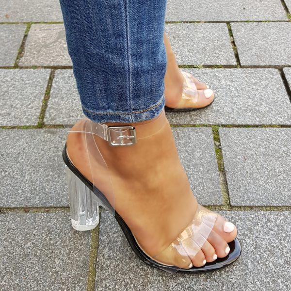 Sandalen met blokhak en doorzichtige bandjes | Perspex heels Nederland