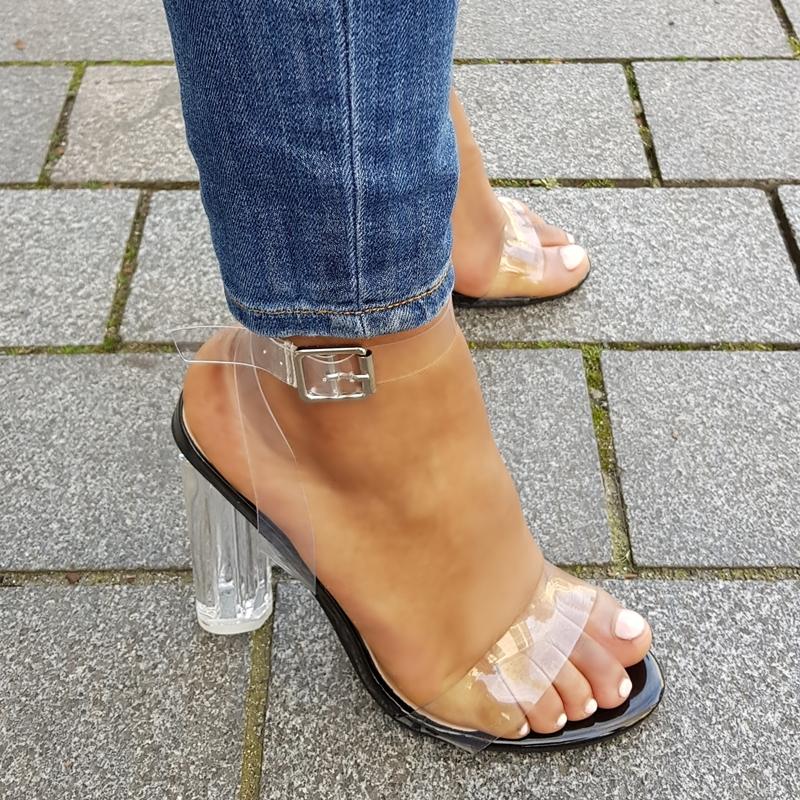 Sandalen met blokhak en doorzichtige bandjes   Perspex heels Nederland