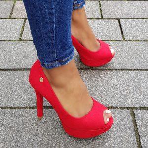 Peeptoe pumps in rood met naaldhak en plateau | Peep toe Pumps rood