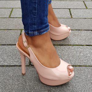 Peep toe slingback pumps in roze lak   Roze pump met open hiel