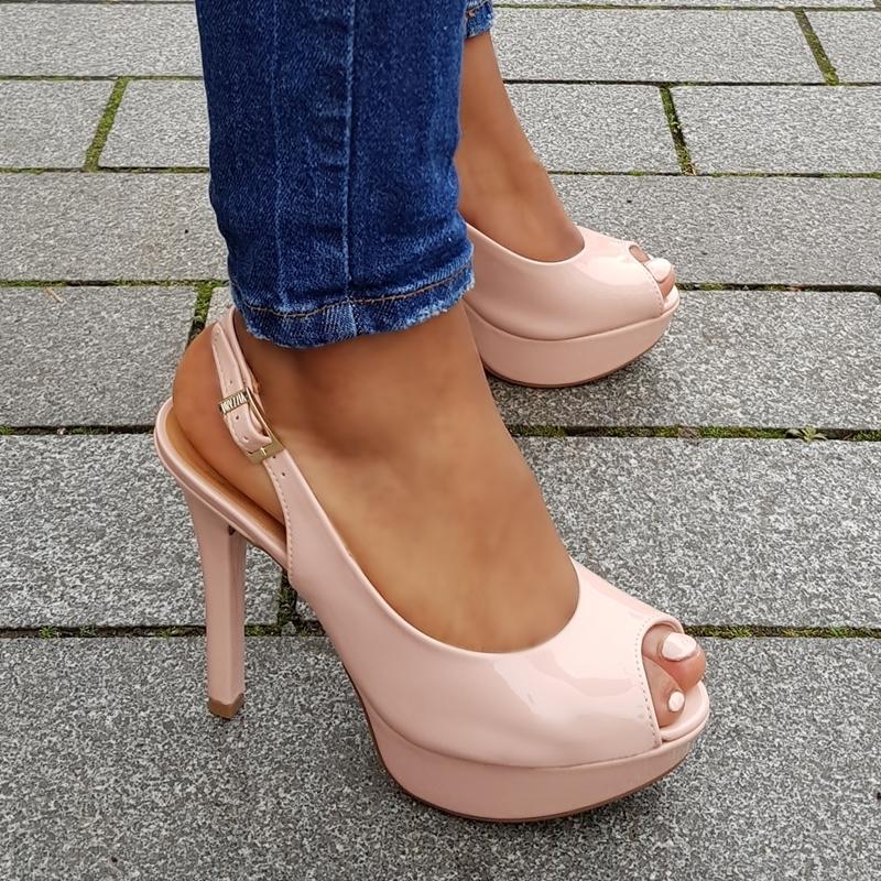 Peep toe slingback pumps in roze lak | Roze pump met open hiel