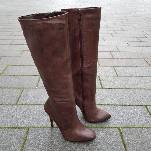 bruine laarzen met naaldhakken via uno maat 35