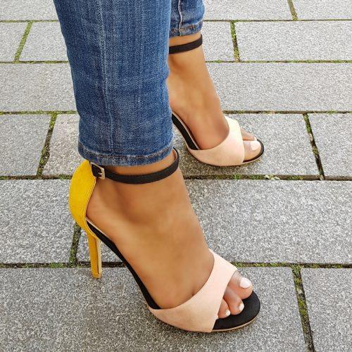 Veelkleurige sandalen met hoge hak in geel | nude | zwart