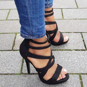 Zwarte hooggesloten sandalen met veel bandjes | Silhouette Rotterdam