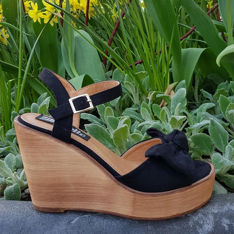 Zwarte sleehakken met strik | Sleehak met houten zool | Silhouette