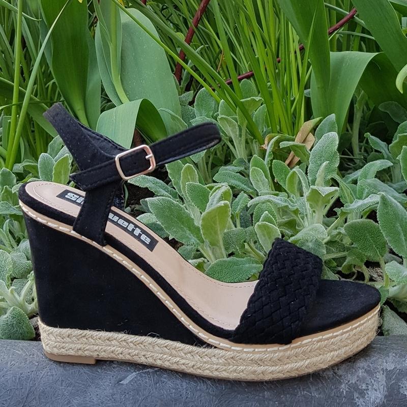 8563e6b0b9f Zwarte sleehakken touwzool | Sleehak zwart suede | Sleehakken zomer