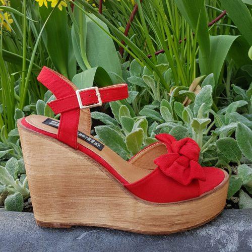 Rode sleehakken met strik | Sandalen sleehak houten zool | Silhouette