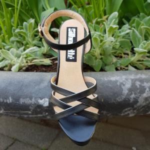 Kleine maat dames schoenen met blokhak en bandjes   Silhouette