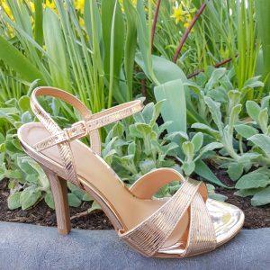 Champagne kleurige sandalen | Champage kleur hakken | Silhouette