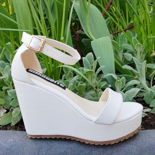 Sleehak sandalen in kleine maten met bandjes in wit   Silhouette