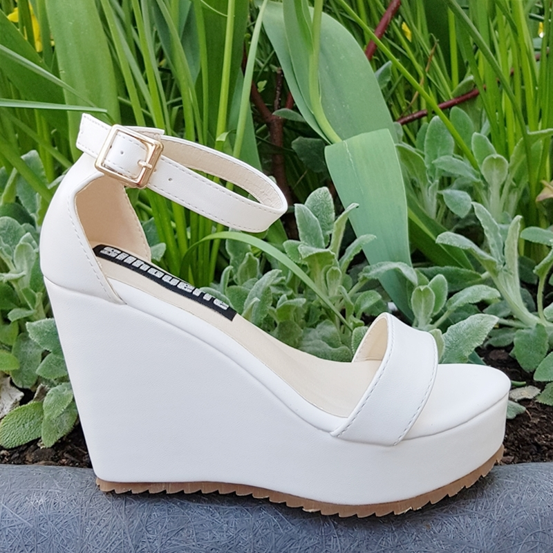 Sleehak sandalen in kleine maten met bandjes in wit | Silhouette