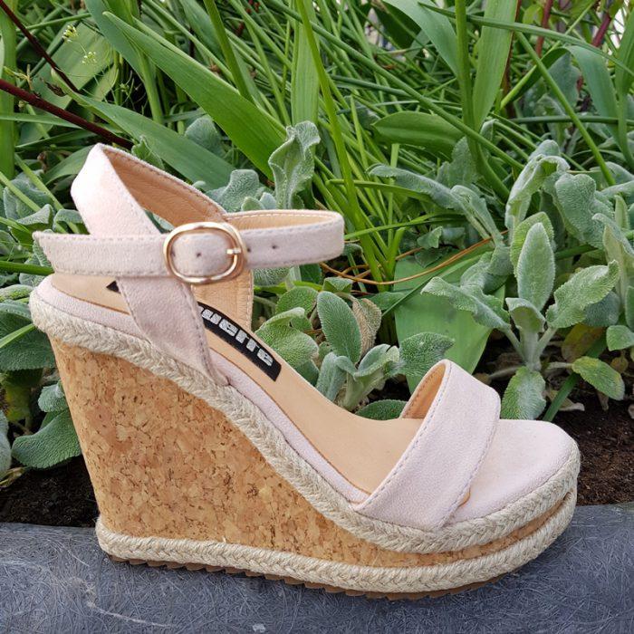 Nude sandalen in kleine maten | Sleehak sandalen maat 34 en kleiner