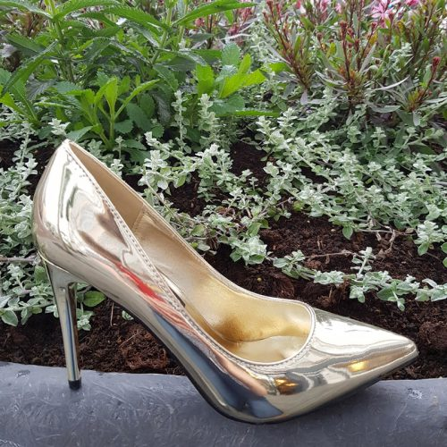 Gouden metallic pumps met naaldhak | Metallic heels gold | Gouden hoge hakken